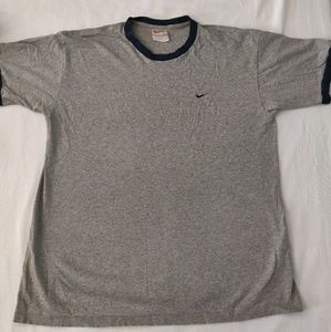 Classic & vintage Nike t-shirt. Size large.